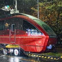 近鉄 新形名阪特急「ひのとり」が陸送される