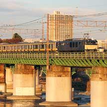E231系のサハ4両が廃車回送される