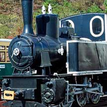 あしおトロッコ館で,もと井笠鉄道のコッペル7号機の保存を継続