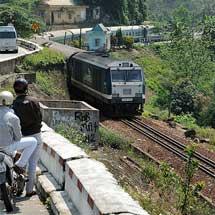 [PR]3月1日〜5日催行「ベトナム統一鉄道の寝台列車で約1800kmの縦断旅行」の参加者募集