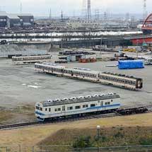 富山地鉄10020形と14720形が搬出される