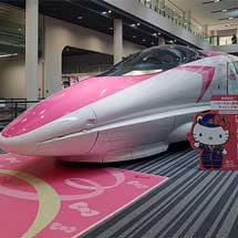 京都鉄道博物館500系が「ハローキティ新幹線」仕様にラッピングされる