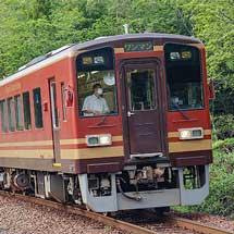 信楽高原鐵道SKR401がもとのカラーリングに