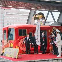2700系「アンパンマン列車」が営業運転を開始