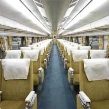 京都鉄道博物館で,0系新幹線電車(16-1)の車内公開