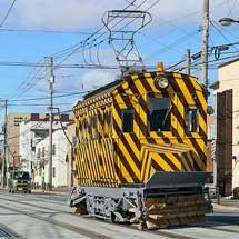 函館市企業局交通部でササラ電車の試運転