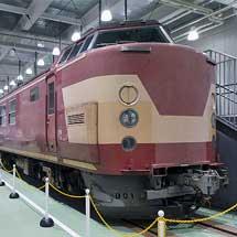京都鉄道博物館で443系が展示される
