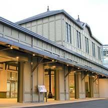 折尾駅で4代目駅舎の供用開始
