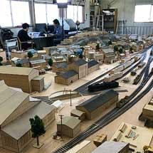 4月10日〜9月20日スモールワールズTOKYO,『シン・エヴァンゲリオン劇場版』の制作に使用された「第3村ミニチュアセット」を期間限定で展示