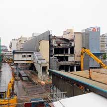 新潟駅旧万代口駅舎と社屋の撤去が本格化