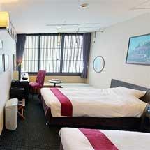京都タワーホテル×嵐電,「嵐電トレインルーム」の予約を開始