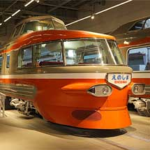 7月17日〜30日小田急,ロマンスカーミュージアムで「オレンジ色のロマンス展」開催